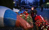 Владимир Путин возложил цветы на могиле Бориса Ельцина
