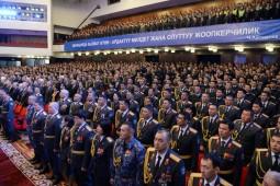 Сооронбай Жээнбеков принял участие в праздновании 95-летия кыргызской милиции