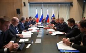 Владимир Путин провел совещание по развитию Крыма и Севастополя