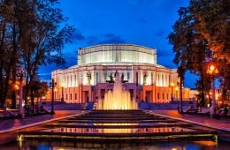 Белорусским театрам скорректируют планы по продаже билетов
