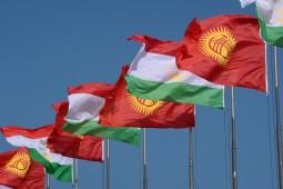 Президент Кыргызстана провел телефонный разговор с афганским коллегой