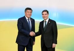 Президент Кыргызстана провел телефонный разговор с туркменским коллегой