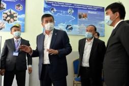 Сооронбай Жээнбеков ознакомился с ходом цифровизации органов местного самоуправления
