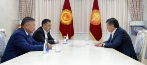 Президент Кыргызстана встретился со спикером парламента и Премьер-министром республики