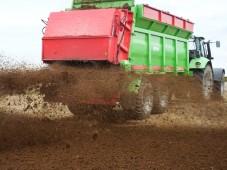 Треть органических удобрений под яровой сев в Белоруссии уже вывезена