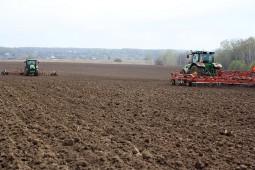 В Белоруссии началась подготовка почв под сев ранних яровых культур